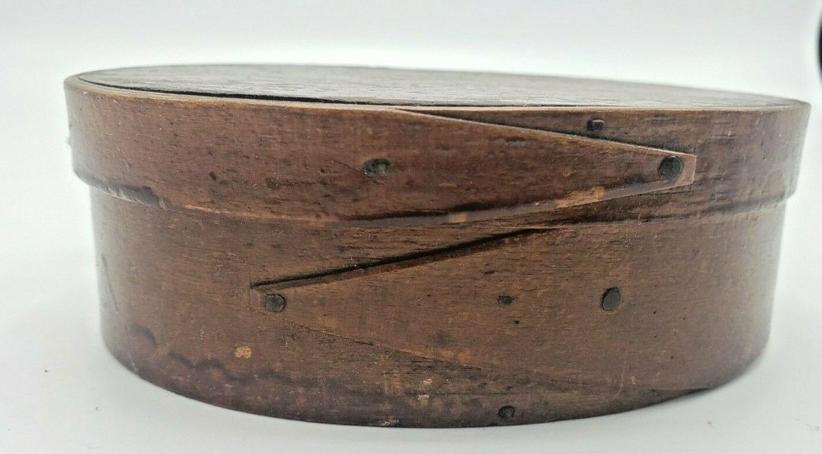 """Antique 19th Century Oval Pantry Spice Box With Fingers Cut Nails 6"""""""