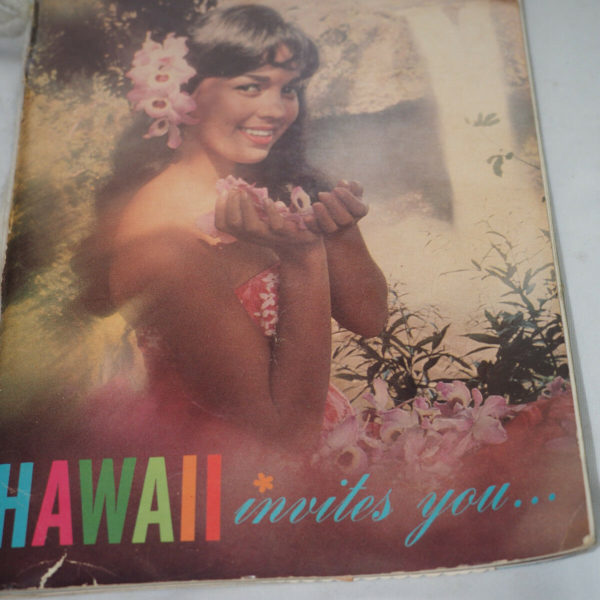 SOuvenir Travel Magazine HAWAII INVITES youhistory and 30 attsached photos