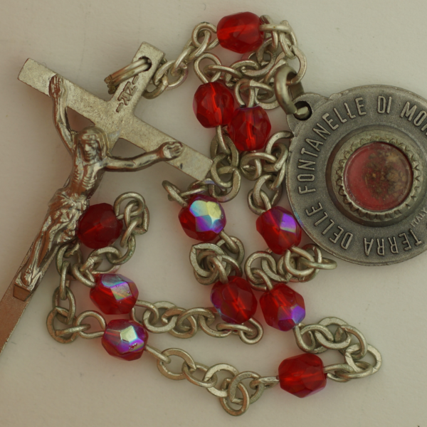Vintage MARY MYSTIC ROSE RELIC Medal MONTICHIARI Red Chaplet Rosary ROSA MYSTICA