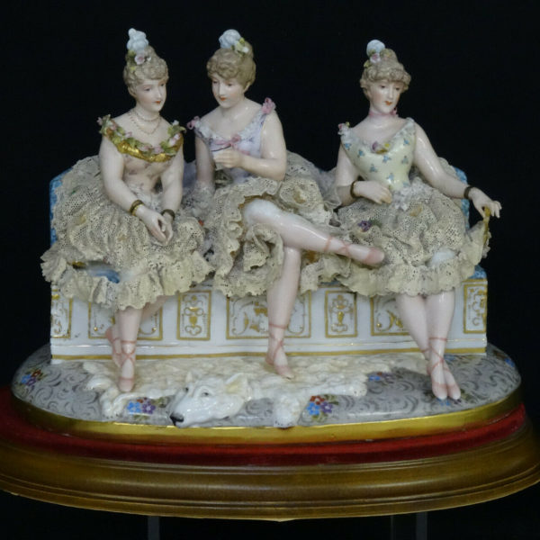 LARGE ANTIQUE 19c. DRESDEN SCHIERHOLZ PLAUE 3 SEATED LADIES PORCELAIN SCULPTURE