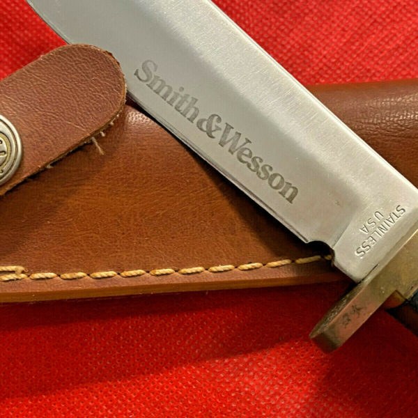 Smith & Wesson USA MADE Vintage Hunting Knife Brass Finger Guard Leather Sheath