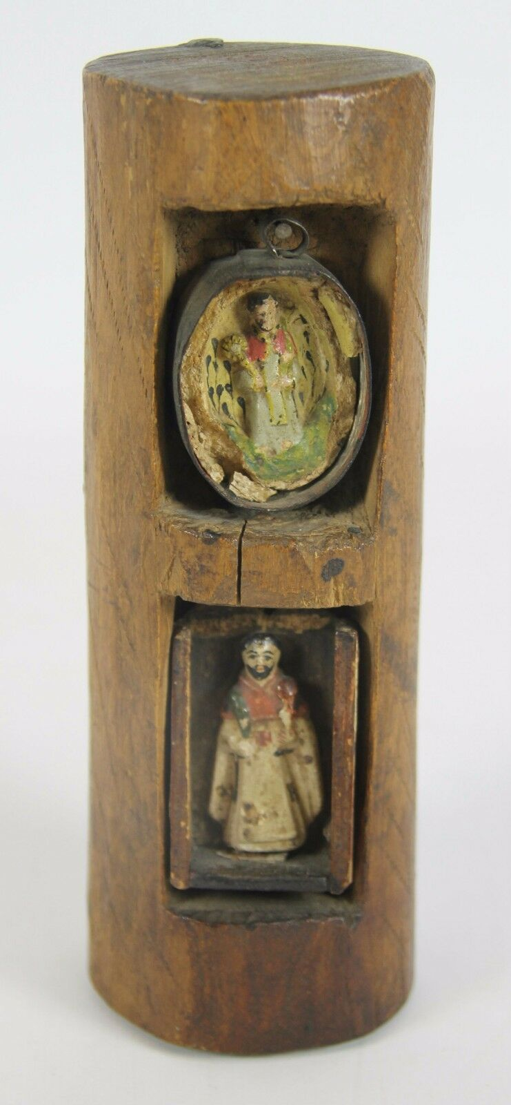 PAIR OF RELIQUARY. POLYCHROME CARVED WOOD. CENTURY XVIII.