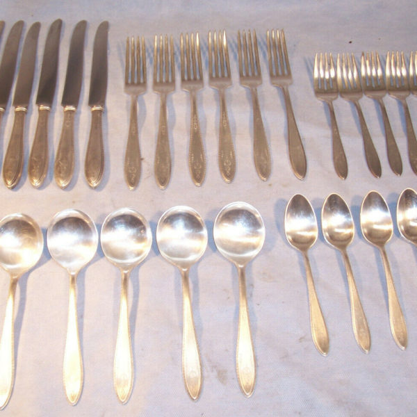 1847 ROGERS BROS International Silver 1926 ARGOSY 31 Pc Service for 6 Place Sets