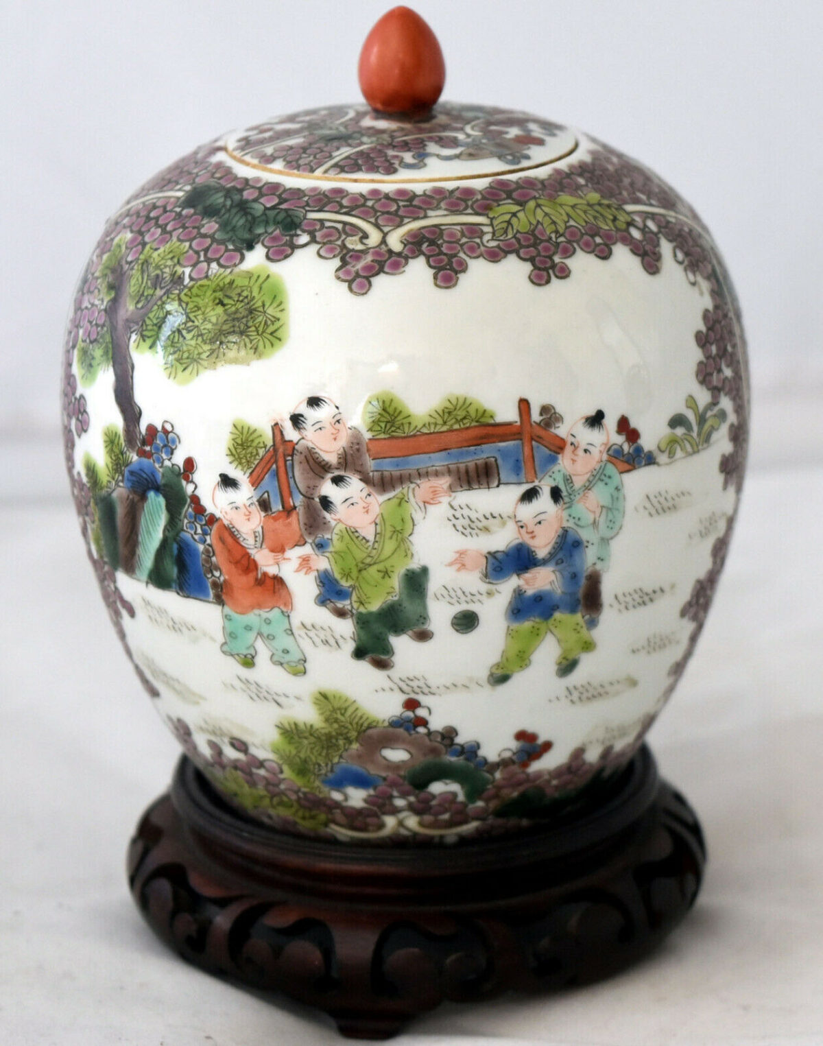 """Antique Chinese Detailed Hand Painted Famille Rose Porcelain Jar 4.5"""" Tall"""