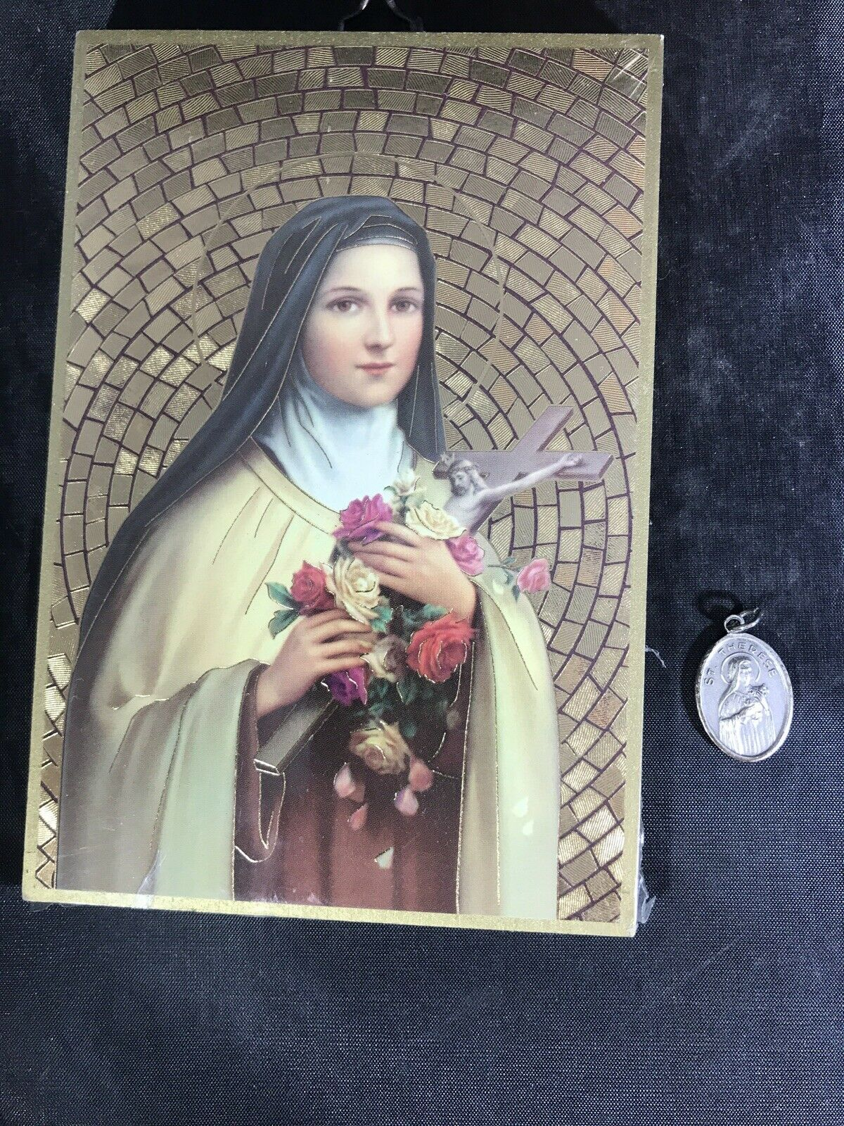 ST THERESE LITTLE FLOWER PLAQUE & HOLY MEDAL RELIC