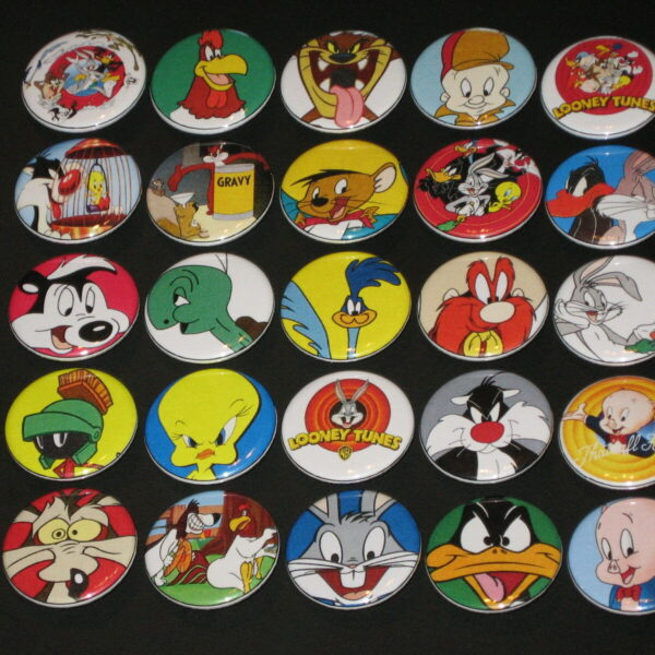 Assorted Looney Tunes Buttons /  Pins 25